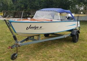 1963 Monarch Wooden Classic with Evinrude 50hp Big Twin