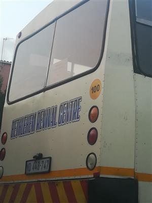 Isuzu bus