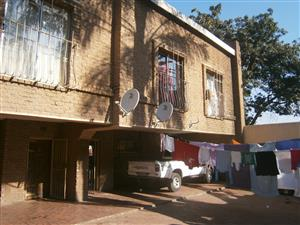 3storey 6Apartments (INVESTMENT OPPORTUNITY)