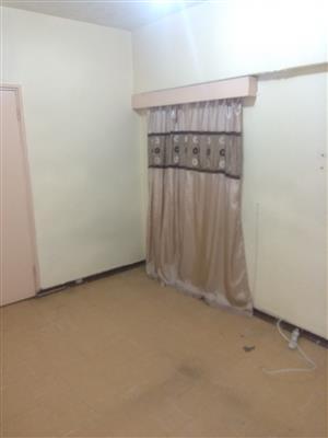 1 bedroom to rent in a 3 bedroom flat