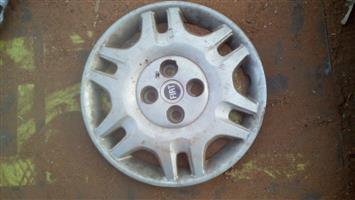 2006 fiat strada wheel cap