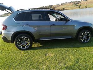 2010 BMW X series SUV X5 4.8i