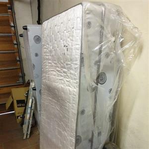 Single base and mattress set