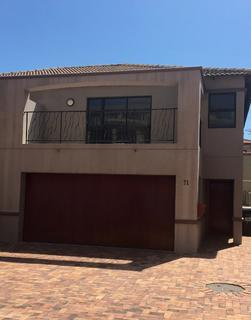 Townhouse For Sale in La Paloma