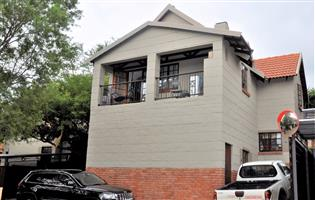 3-Bedroom / 2-Bathroom Double Storey Townhouse To Let in Equestria Pretoria East