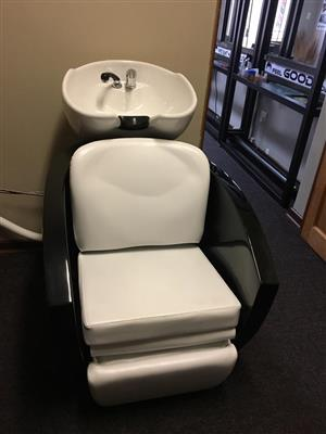 Salon Hair Wash Station With remote controlled leg rest