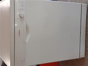 White Bosch 20 Place Dishwasher