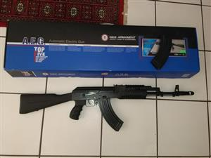 Airsoft gun GnG RK103 with two mags