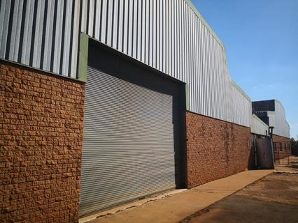 Large warehouses 6000sqm in total, situated on an extensive 16000sqm stand in Garankuwa.