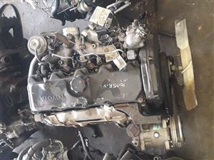 TOYOTA 5L COMPLETE  IMPORT LOW MILEAGE ENGINES