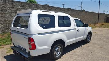 THIS IS OUR BRAND NEW TOYOTA HILUX VVT/D4D LWB HI-LINER WHITE BAKKIE CANOPY 4SALE!!!