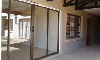 Spacious family unit 2 bedroom apartment in Pretoria East