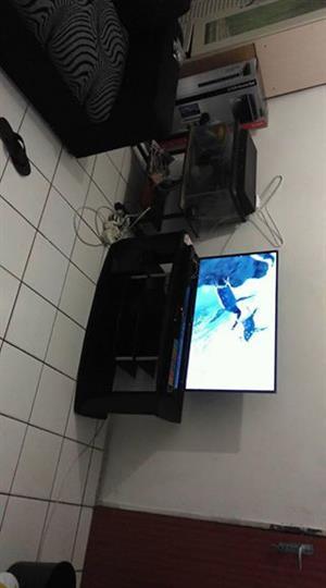 "39"" Full HD Hisence tv"