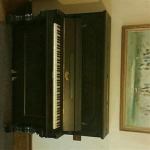 Bach piano in excellent condition