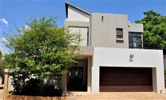 TO LET: Beautiful House in Jupiter Street Unit 5, Waterkloof Ridge, Pretoria, Available Immediatly - Don't MISS OUT