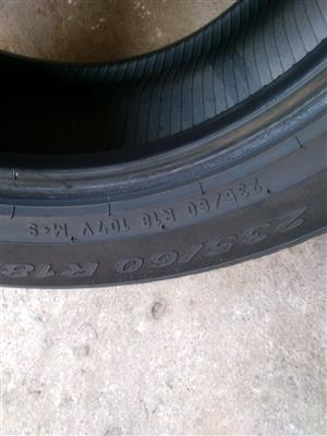 One good used 235/60/18 Pirelli Tyre fits Freelander Volvo XC R850 for the one good used