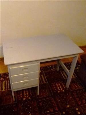 Study desk wooden