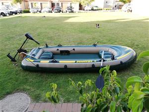 Intex Seahawk 4 Inflatable Raft with Accessories