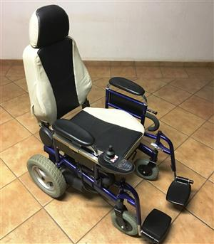 Wheel Chair Electric Heavy Duty, in very good condition, Surgical Model