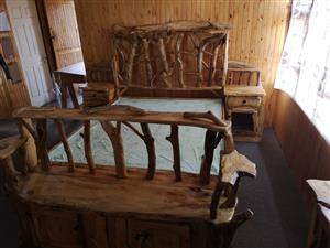 Geel en Swarthout queen slaapkamerstel