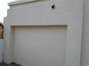 Back room in Danvile x5 Gideon Scheepers street (Pretoria west): 1 big bed, Kitchen, bath and Toilet