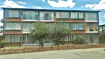 stunning 90 square metres flat in gemiston south