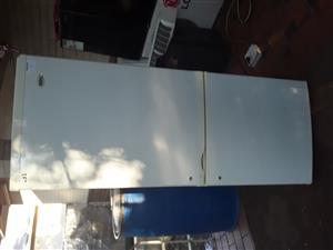 K ic fridge for sale amount 1600 mahala price
