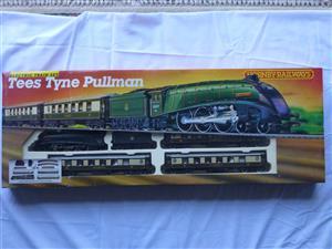 Tees Tyne Pullman Hornby Railways Trainset (R770)