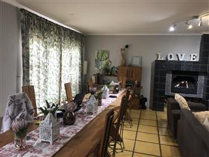 House to let during December school holidays in historic village of Onrusrivier close to the Hermanus town center and other amenities