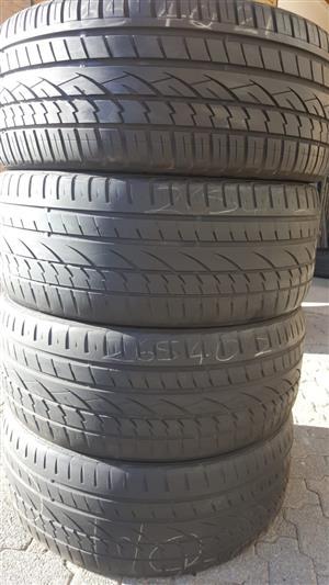 4 x 265 40 20 inch tyres R1500 each