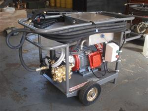 COLD WATER HIGH PRESSURE WASHER - 380 VOLT 200 BAR 15 LITRES PER MINUTES - 5.5 KW - R 33 500.00 EXCL VAT