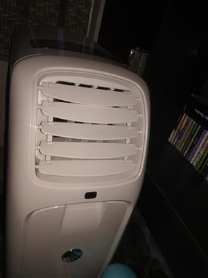 Logik 10000 BTU portable airconditioner