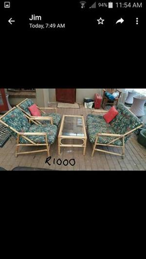 4 Seater patio set with pillows