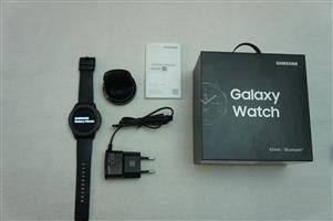 Samsung Galaxy Watch 42mm BT LIKE NEW Spotless