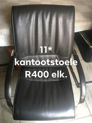 11 Swart kantoor stoele te koop