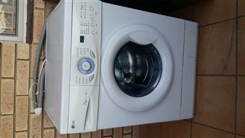 2nd hand LG 7kg front loader washing machine