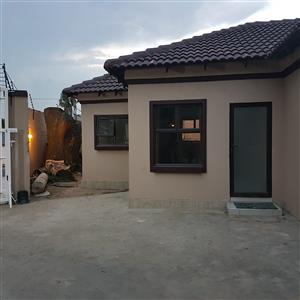 Newly renovated Bachelor to rent at Bramley for R4000
