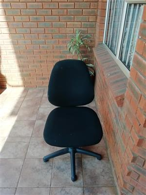 Office chairs to clear