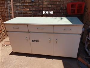 3 Door 3 Drawer Steel Kitchen Cabinet (1605x535x905)