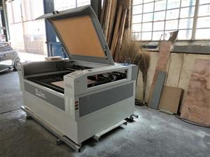 Up/down table 100 watt laser