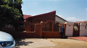 A  3 Bedrooms House with garage to rent at Soshanguve B B,near Soshanguve Plaza