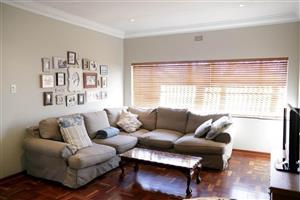 Parkhurst - 5 bedrooms 3 bathrooms house available R24000