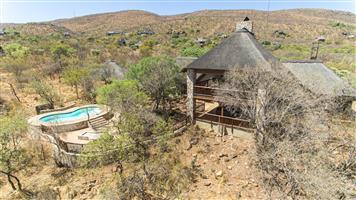 Pumba Lodge - Outside bushveld living in true luxurious style