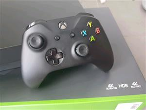Xbox one x 1tb console as new includes all cables 1 wireless controler