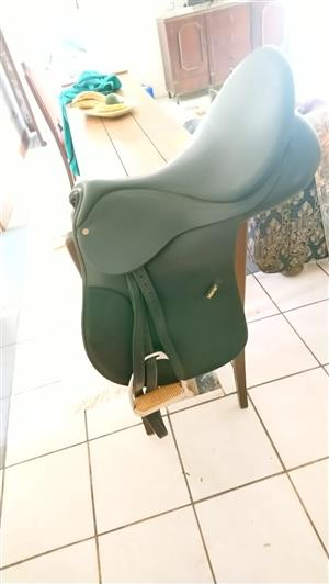 """Wintec 17"""" GP Saddle in great condition"""