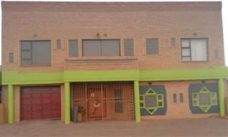 House for sale in EXT 13 Lenasia