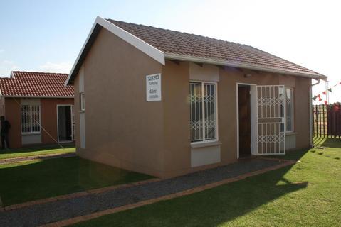 2 Bedroom House For Sale in Johannesburg Central, Johannesburg