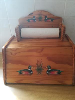 WOODEN BREADBOX