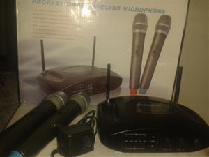 Joseph UHF wireless microphone set