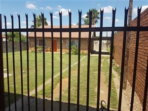 3 Bedroom, 2 Bathroom House and garden flat for sale
